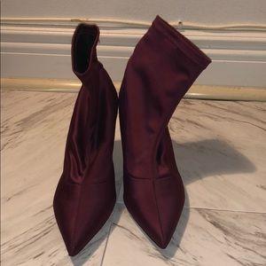 Zara stretch booties- never worn size 40